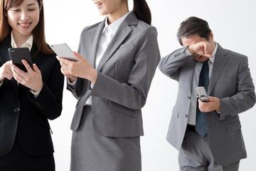 業務効率アップ!au法人携帯におすすめのガラケー・スマホ3選